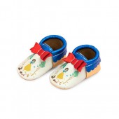 Snow White Moccasins for Baby by Freshly Picked