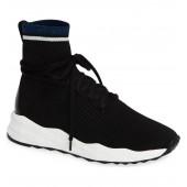 Sense Sneaker