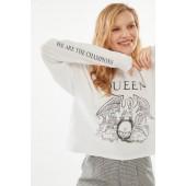 Queen Crest Long Sleeve Tee
