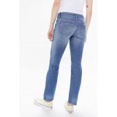 BDG Tara Low-Rise Slim Jean